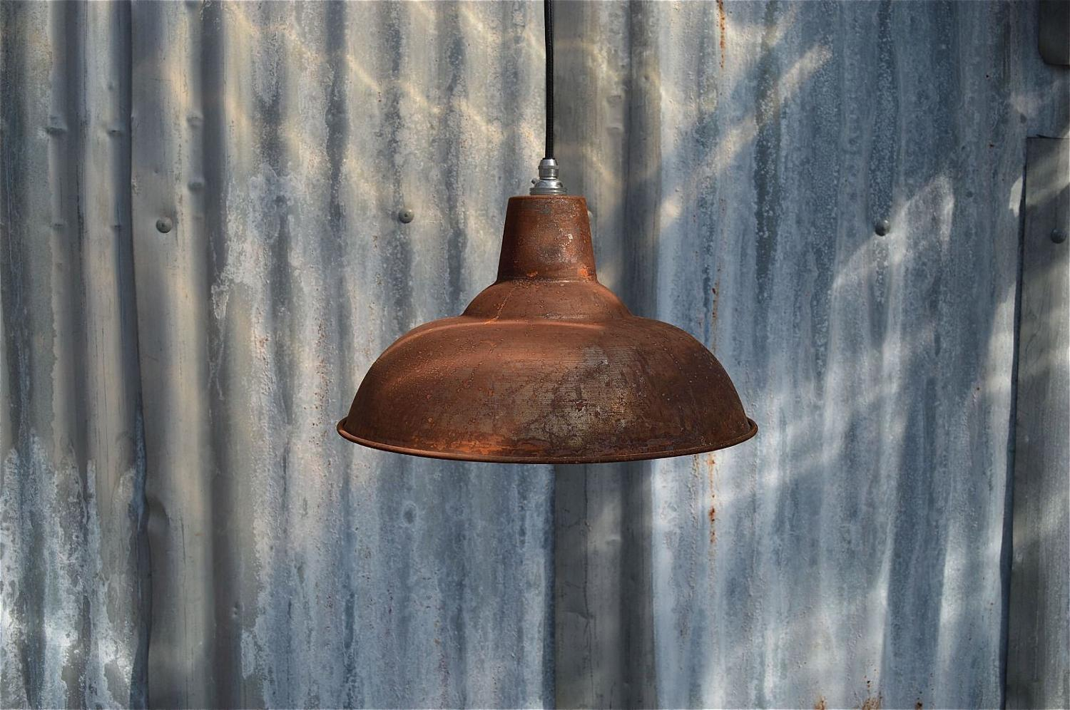 LARGE RUSTY STEEL VINTAGE STYLE BARN LAMP WORKSHOP CEILING LIGHT SHADE