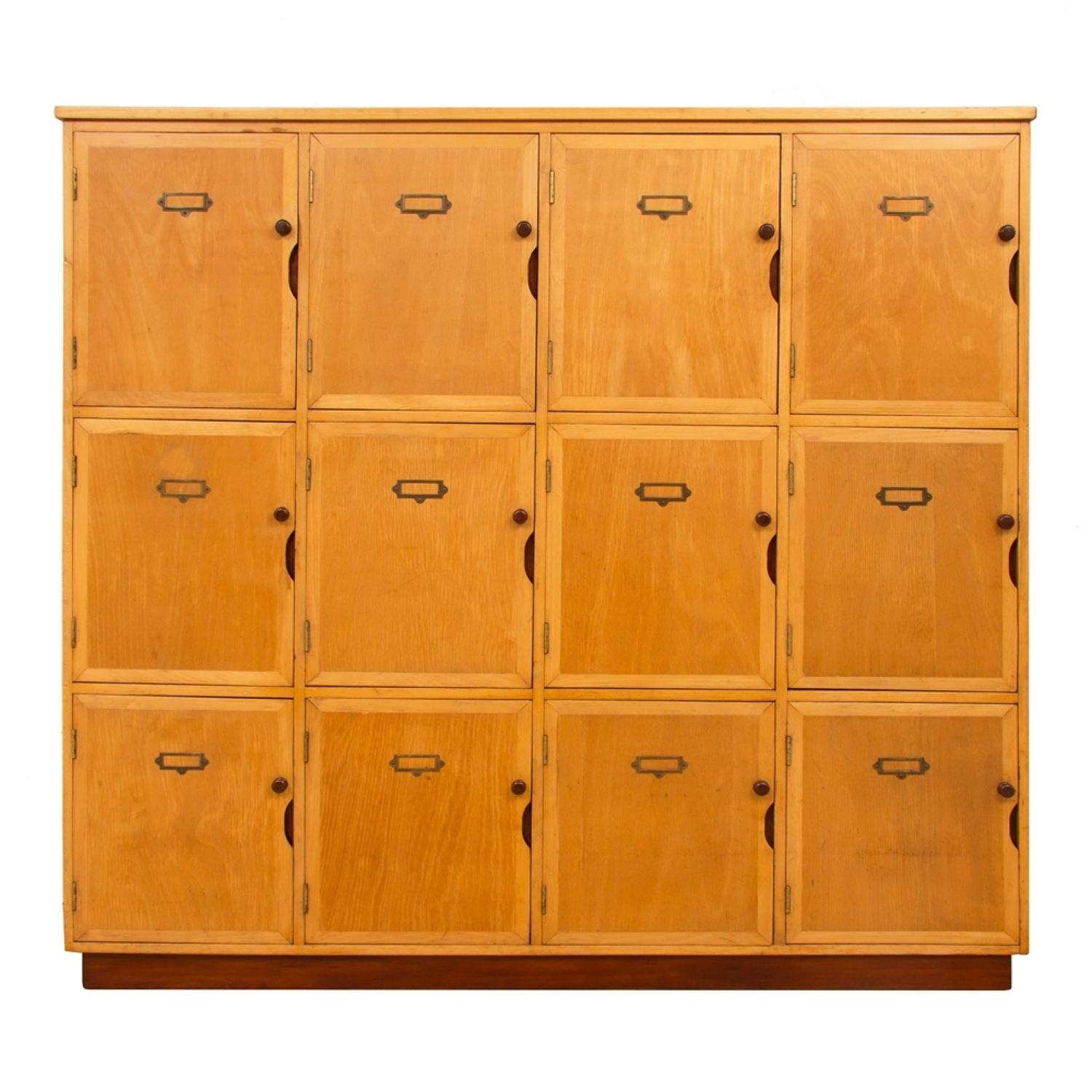 Vintage Oak Bank of Lockers