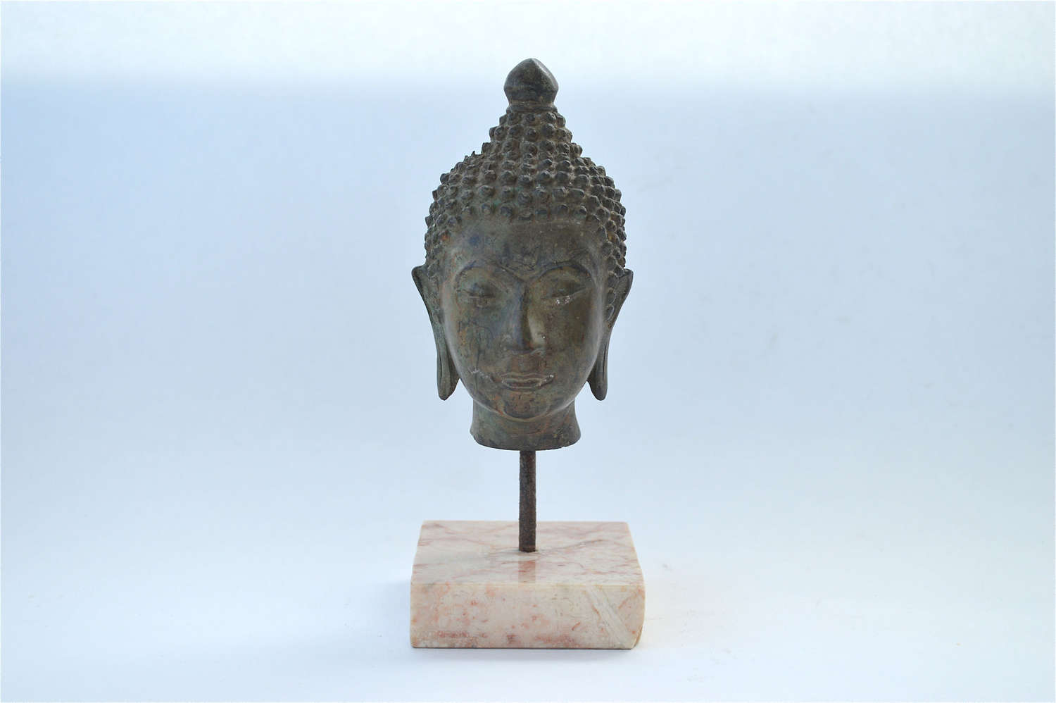 Bronze sculpture of the head of Buddha